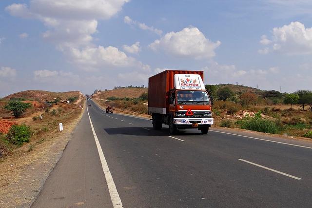 産業廃棄物収集運搬車両の点検(道路検問)