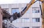とび土工工事業の許可で解体工事業を営める経過措置期間の終了が迫っています。